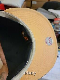 Boston Red Sox Hat 2004 World Series Champions Navy Peach Brim Fitted Club 7 3/8
