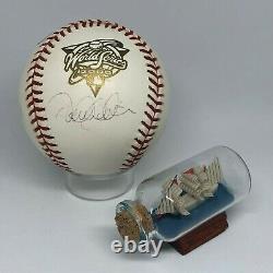 Derek Jeter signed Rawlings 2000 World Series Baseball JSA LOA Yankees HOF A1121