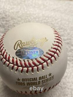ORLANDO HERNANDEZ Signed Autographed 2005 World Series Baseball El Duque